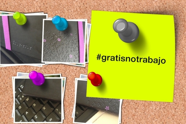 Panel de corcho con post-it en elque dice #gratisnotrabajo