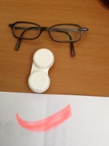 Estuche de lentillas y gafas