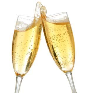 Copas de champang brindando